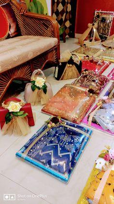 Indian Wedding Gifts, Creative Wedding Gifts, Desi Wedding Decor, Diy Wedding Gifts, Wedding Gift Boxes, Indian Wedding Decorations, Wedding Crafts, Bridal Gifts, Wedding Gift Hampers