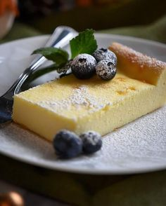 This Creamy Limoncello Italian Ricotta Cake Recipe is a light and refreshing gluten free, ricotta dessert with just the right amount of sweetness. So simple and convenient to prepare, it is the perfec Ricotta Cheese Desserts, Ricotta Dessert, Dessert Crepes, Italian Ricotta Cookies, Lemon Ricotta Cake, Italian Cookies, Gluten Free Desserts, Easy Desserts, Delicious Desserts