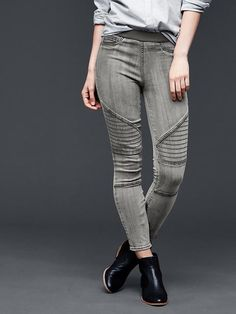 1969 resolution moto pull-on legging. Not in love with waistband. Rest of Jean/pant style very cute