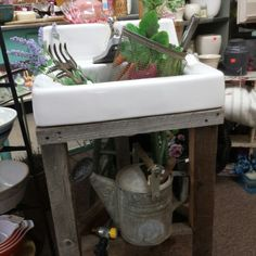 Foxglove Antiques @ Wiggetts Antique Marketplace Downtown CDA Id