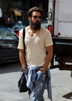 Men beard fashion tumblr Style streetstyle beard shaped tumblr sunglasses ray ban jeans denim menswear