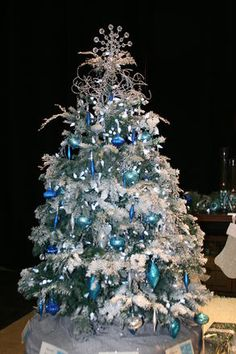 Festival of Trees 2014: A Christmas to Remember (4-foot tree)