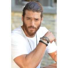 Can Yaman in Erkenci Kus Turkish Men, Turkish Actors, Latin Men, Hipster Man, How To Look Handsome, Hot Actors, Beard Styles, Bearded Men, Gorgeous Men