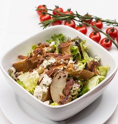 Vegan kale caesar salad recipe & healthy lunch or dinner idea. Healthy Salad Recipes, Healthy Foods To Eat, Paleo Recipes, Dinner Recipes, Healthy Eating, Classic Caesar Salad, Pasta Types, Slow Cooker Tacos, Natural Treatments