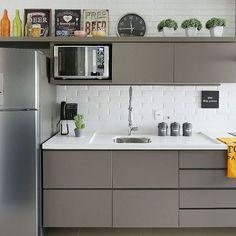 Kitchen planned: 60 photos, prices and projects - Home Fashion Trend Mini Kitchen, New Kitchen, Kitchen Dining, Kitchen Decor, Kitchen Cabinets, Kitchen Storage, Kitchen Room Design, Kitchen Interior, Interior Design Living Room