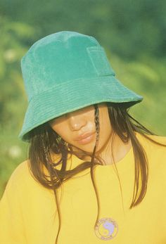 Wave Bucket - Green Terry – Lack of Color Indie Outfits, Cute Outfits, Girl Outfits, Pelo Editorial, Bob Chapeau, Estilo Hip Hop, Indie Girl, Aesthetic Hair, Aesthetic Clothes