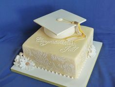Cottey College graduation cake