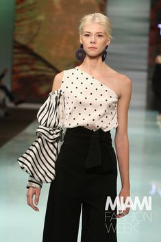 26 Ideas Fashion Week Women Haute Couture For 2019 Miami Fashion, Fashion 2020, Look Fashion, Fashion Details, Runway Fashion, Trendy Fashion, High Fashion, Womens Fashion, Fashion Design