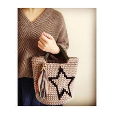 ・ ・ おはようございます❤️ ・ 写真は過去作品&コーデ。 この星のマルシェは愛用してるものです ・ ・ #かぎ針 #hoookedzpagetti #ズパゲッティ #crochet #おしゃれさんと繋がりたい #海を感じる雑貨 #おしゃれ #tshirtyarn #おしゃれな人と繋がりたい #instacrochet #martズパゲッティ #ズパゲッティバッグ #zpagetti #ボヘミアン #ネイティブ #オルテガ #オルテガ柄 #trapillo #crochetlovers #マルシェバッグ #ミネトンカ #bayflow #ロンハーマン #wtw #rhc #ファッション #トートバッグ #コーディネート