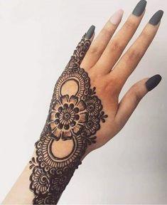 Henna Hand Designs, Henna Tattoo Designs, Henna Tattoos, Mehndi Designs Finger, Indian Henna Designs, Simple Arabic Mehndi Designs, Beginner Henna Designs, Latest Bridal Mehndi Designs, Henna Tattoo Hand