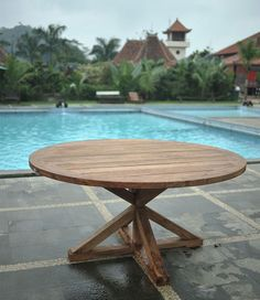 Teak garden tables are a unique piece of furniture for in your garden, balcony or on your roof terrace. Decorate your teak garden table with an autumn piece Teak Furniture, Garden Furniture, Outdoor Furniture, Outdoor Decor, Lounge, Garden Table, Interior Design Inspiration, Furniture Making, Best Sellers