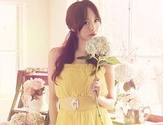 Name: Yongjoo Jung Stagename: Nicole Former Member of: KARA Birthdate: 07.10.1991