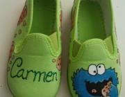 Zapatillas de lona, pintadas a mano (y con mucho cariño!!) con pintura específica para...