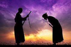 400 évvel ezelőtt a szamurájok 15 bölcsességet írtak le! Ezek ma is nagyon aktuálisak!         Miyamoto Musashi egy 17. századi japán szamuráj harcos, kardvívó. A rendkívüli képességekkel megáldott harcos első, halálos kimenetelű párbaját tizenhárom éves korában