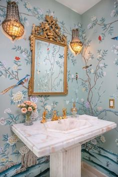 Home Decor Farmhouse Real Estate Roundup: Spring 2019 - The Glam Pad.Home Decor Farmhouse Real Estate Roundup: Spring 2019 - The Glam Pad Modern Bathroom Decor, Bathroom Interior, Modern Decor, Bathroom Ideas, Small Bathroom Inspiration, Chinoiserie Wallpaper, Bird Wallpaper, Wallpaper For House, Wallpaper For Bathrooms