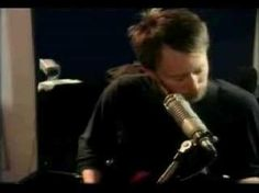 My two favorite bands in one song....I die!....Radiohead - Ceremony (New Order)