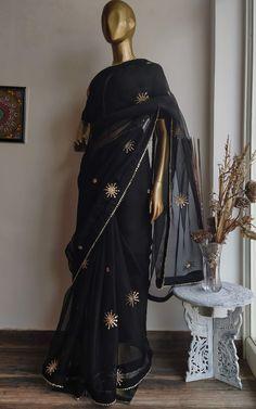 Elegant Designer Sarees for the Modern Day Indian Woman Simple Kurta Designs, Gota Patti Saree, Shibori Sarees, Peach Saree, Sari Dress, Organza Saree, Saree Models, Indian Wedding Outfits, Pink Sequin
