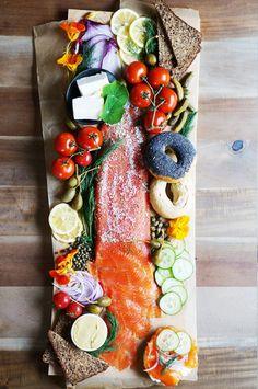 Lox Homemade Lox by honestlyyum: Such a lovely presentation!Homemade Lox by honestlyyum: Such a lovely presentation! Think Food, I Love Food, Good Food, Yummy Food, Big Food, Healthy Food, Tasty, Antipasto, Fingers Food