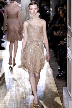 Valentino Spring 2011 Couture Collection Slideshow on Style.com