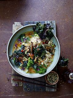 Super noodle ramen with kale & barbecue mushrooms