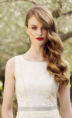 16 trendy wedding hairstyles for long hair to the side curls waves Side Swept Hairstyles, Curled Hairstyles, Glamorous Hairstyles, Prom Hairstyles, Big Waves Hairstyle, Evening Hairstyles, Graduation Hairstyles, Quinceanera Hairstyles, Updo Hairstyle
