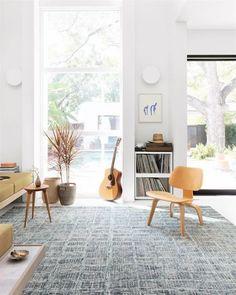 Blue Contemporary / Modern Area Rug Rugs In Living Room, Living Room Decor, Blue Home Decor, Modern Area Rugs, Rectangular Rugs, Cool Rugs, Colorful Rugs, Sim, Rug Ideas