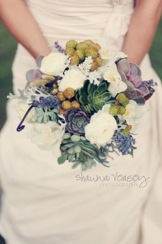succulent wedding bouquet | Vinewood Weddings & Events.