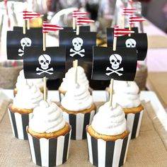 - Kara's Party Ideas - The Place for All Things Partycupcakes Captain Hook Pirate Party! - Kara's Party Ideas - The Place for All Things Party Pirate Fairy Party, Pirate Theme, Cupcake Flags, Cupcake Party, Cupcake Toppers, Cupcake Picks, Cupcake Cases, Deco Pirate, Pirate Food