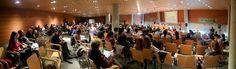 21 de abril de 2012: La sala llena para escuchar a...