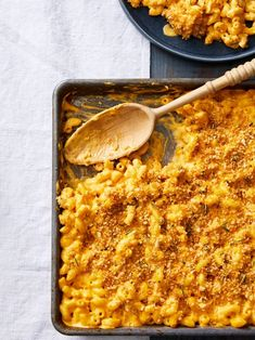 Sheet Pan Butternut Squash Mac and Cheese Fast Dinners, Quick Meals, Weeknight Dinners, Butternut Squash Mac And Cheese Recipe, Convenience Food, Sheet Pan, Main Dishes, Side Dishes, Food Hacks