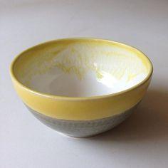 #fret #yolkyellow #rhodahenningstudio #ihavethisthingwithpottery #handmadewithlove #hechoamano #handmade #clay #crafts #artsandcrafts #poterie #pottery #ceramica #ceramics #citron