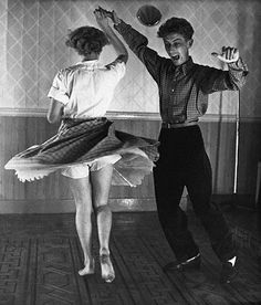 A couple, the woman with bare feet, dancing the jitterbug. Original Publication: Picture Post - 4919 - A New Jazz Age - pub. 1949 Get premium, high resolution news photos at Getty Images Just Dance, Dance Like No One Is Watching, Shall We Dance, Lindy Hop, Swing Dancing, Couple Rock, Classic Dance, Bailar Swing, Poses