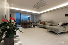 서울 송파구 신천동 파크리오 화이트톤과 전구색 LED로 부드러운 분위기를 자아낸 33평 아파트 인테리어 간편안심인테리어 집닥 Small Modern Home, Decoration, Interior Design Living Room, Dorm, House Design, Design Ideas, Interiors, Houses, Art