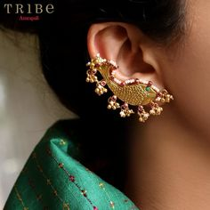 Dress your Navratri up with our effortlessly stylish Silver Gold Plated Fish Pearl Earrings from our Ratna collection. Shop now- link in… Amrapali Jewellery, Gold Jhumka Earrings, Indian Jewelry Earrings, Jewelry Design Earrings, Gold Earrings Designs, Gold Jewellery Design, Antique Earrings, Silver Jewelry, Silver Necklaces