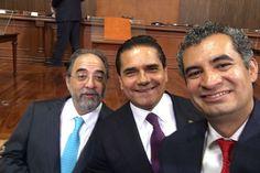 En este marco, el gobernador de Michoacán tuvo oportunidad de dialogar con dirigentes nacionales de institutos políticos, como Luis Castro Obregón, presidente de Nueva Alianza y Enrique Ochoa Reza, dirigente ...