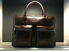 FL Executive Man 2 zipper pockets
