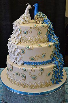 peacock cupcake cakes   Peacock Wedding Cake