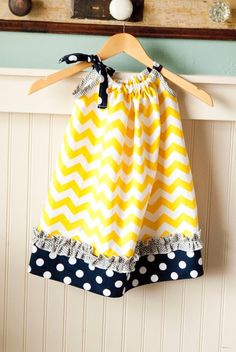 Simply Irresistible Pillowcase Dress Yellow and Navy Blue - going to make! Fashion Kids, Little Girl Fashion, Look Fashion, Sewing For Kids, Baby Sewing, Fabric Sewing, Sewing Ideas, Little Girl Dresses, Girls Dresses
