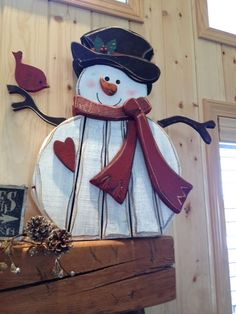 40 Stunning Rustic Christmas Decorations Ideas - Page 7 of 41 - Adila Decor Christmas Wood Crafts, Snowman Crafts, Christmas Signs, Rustic Christmas, Christmas Snowman, Christmas Projects, Holiday Crafts, Holiday Fun, Christmas Holidays