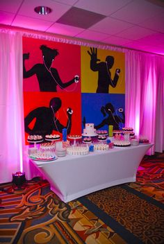 iTunes inspired back-splash for a tech themed bar mitzvah. Bar Mitzvah Decorations, Bar Mitzvah Themes, Bar Mitzvah Party, Bat Mitzvah, 10th Birthday Parties, Birthday Party Themes, Birthday Bar, Baseball Birthday, Baseball Party