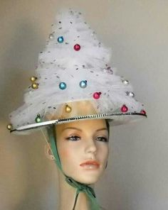 Vintage Handmade Christmas Tree Party Hat by goodygirlred on Etsy Handmade Christmas Tree, Retro Christmas, Christmas Hats, Christmas Themes, Christmas Holidays, Christmas Sweaters, Christmas Bulbs, Crazy Hat Day, Crazy Hats