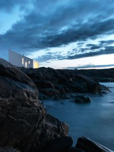 SQUISH studio, photo © Bent René Synnevåg / The Fogo Island Studios by Saunders Architecture in Newfoundland, Canada