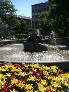 The Eagle fountain in Örnparken/Eagle Park.