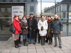 Podporujeme demokratickú občiansku spoločnosť v Bielorusku Winter Jackets, People, Life, Fashion, Winter Coats, Moda, Winter Vest Outfits, Fashion Styles, People Illustration