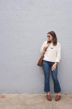 French terry like textured sweater fabric Casual Chic Summer, Boho Summer Outfits, Fall Outfits, Comfy Casual, Outfit Summer, Clogs Outfit, Preppy Style, My Style, Fall Capsule Wardrobe