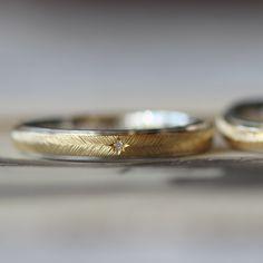 繊細な彫り模様。 ithプラチナとゴールド コンビカラーのマリッジリング  結婚指輪,marriage,ring,ウエディング,wedding,gold,ダイヤモンド,オーダーメイド