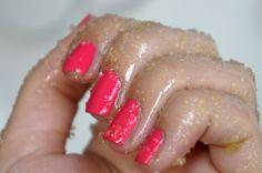 Verzorgde handen zonder velletjes of droge nagelriemen!