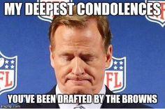Haha, I found this really funny actually Nfl Memes, Football Memes, Sports Memes, Nfl Sports, Funny Sports, Funny Nfl, Funny Memes, Funny Baseball, Fantasy Football News
