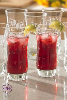Sirve tus bebidas favoritas en los Vasos elegantes Princess Heritage®. Tienen un diseño elegante y el tamaño perfecto #VasosElegantes
