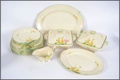 A hand painted 1930s Art Deco dinner service by Burleigh Ware consisting of plates, serving trays, tureens etc. April 2017. EAST BRISTOL AUCTIONS. Est GBP15-40